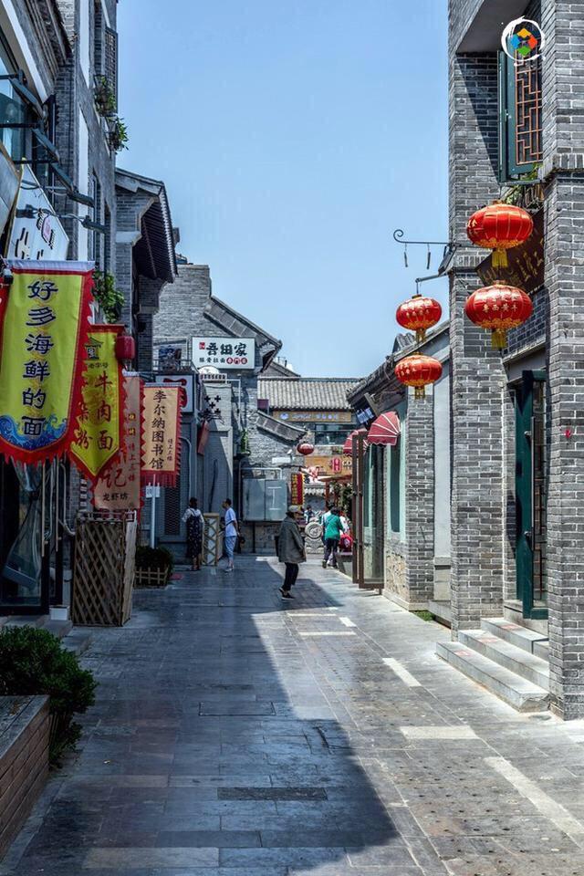 济南宽厚街:因泉水而形成的商业街,全是年轻人喜欢的小吃