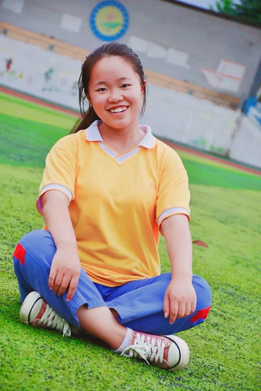 父亲临终前叮嘱她好好学习,湘西女孩通过努力考上济南大学;她说要去看看济南的冬天
