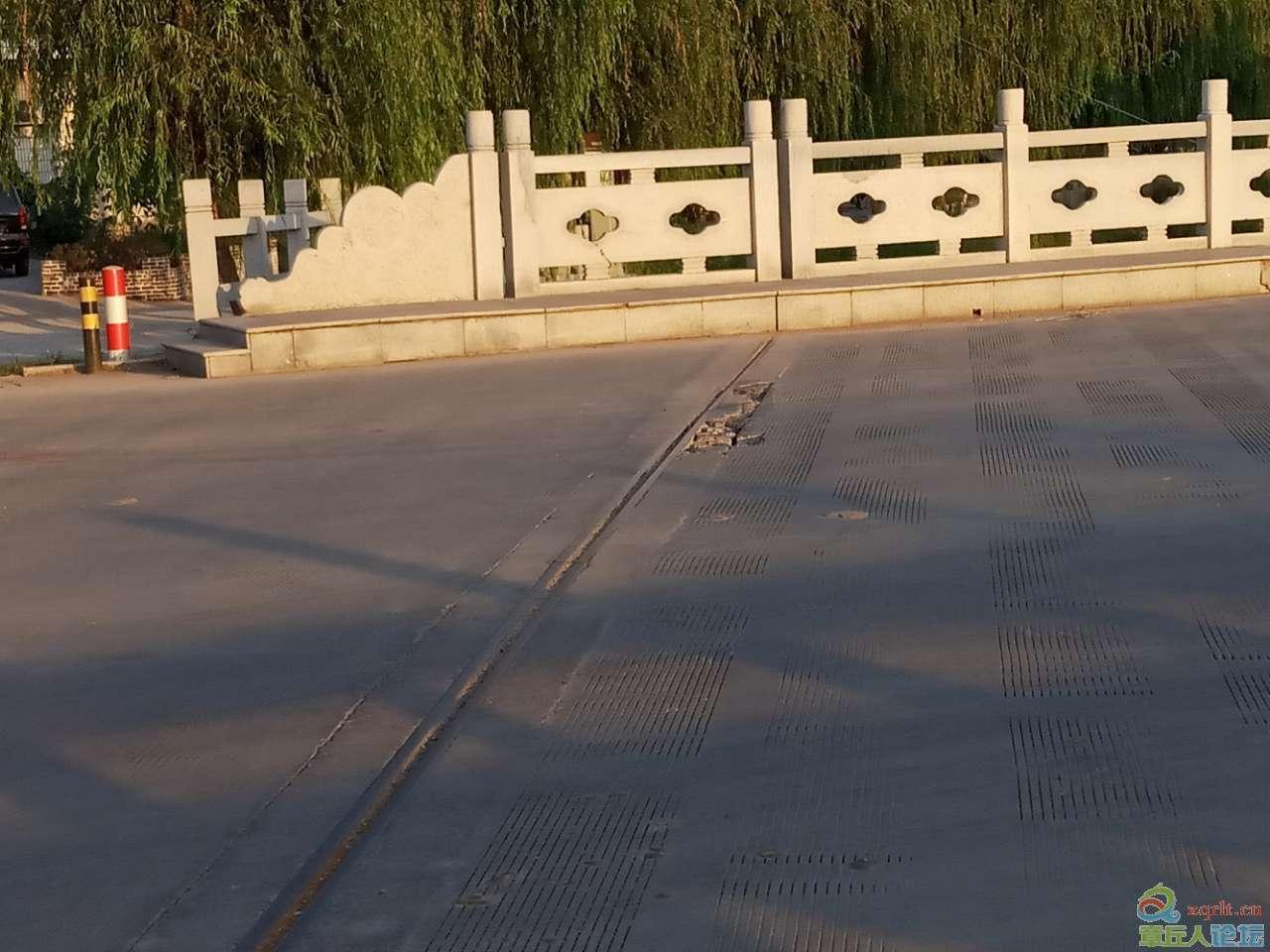 相公大桥路面缺损,有安全隐患,到底谁来修?