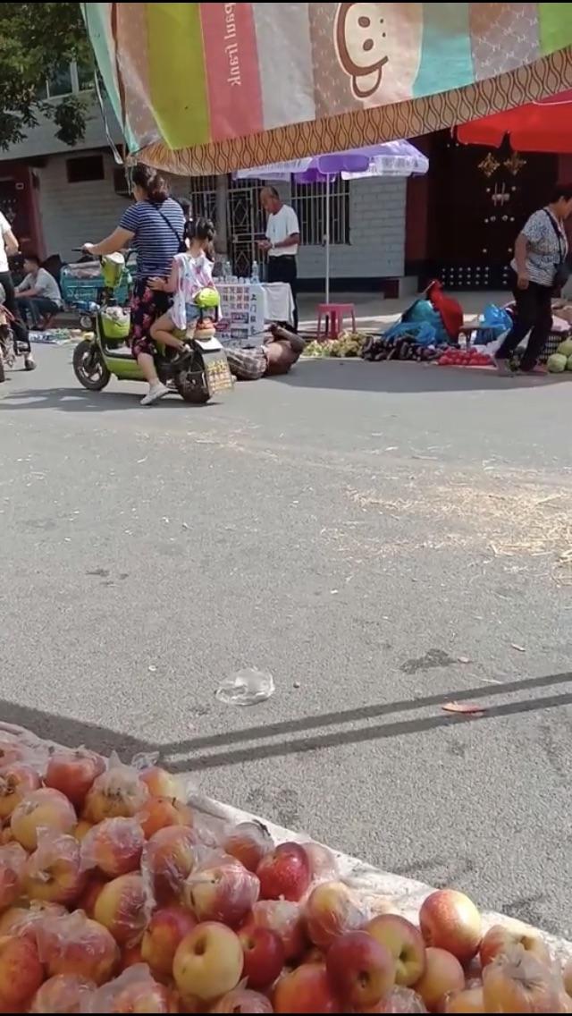 如果你遇到这样的残疾乞讨者,你会怎么做???