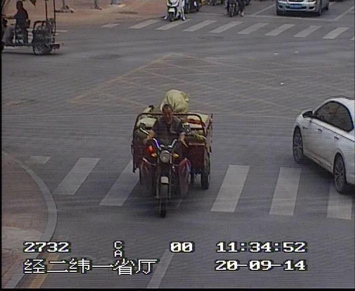 章丘车主们注意!9月严查违法行为,不戴头盔、玩手机都不行!