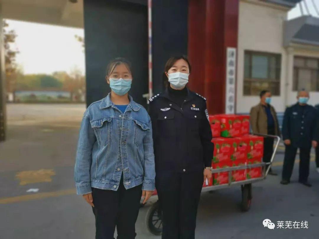 警民一家亲!莱芜一女生给看守所送100箱苹果,让监管民警红了眼眶
