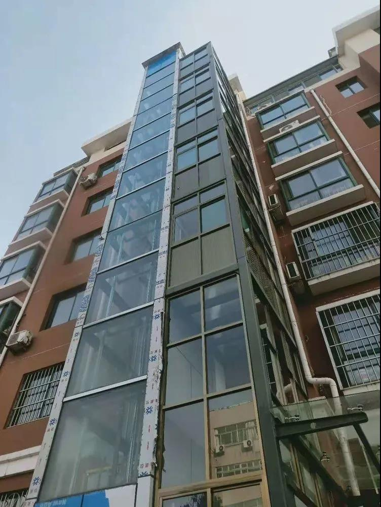 章丘第一部住宅加装电梯,在这个小区安装完毕...