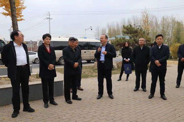 章丘长鹿白云湖国际旅游度假区项目策划座谈会召开