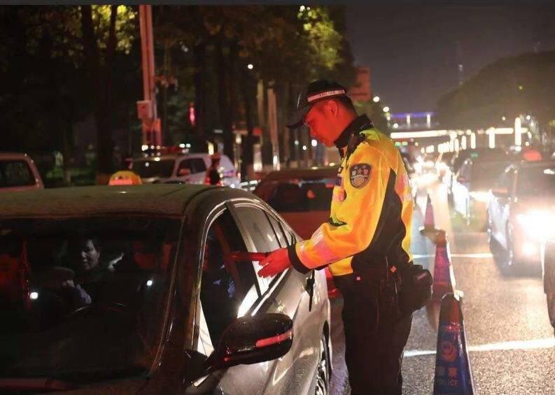 拘役1个月,罚款5000!章丘李某被判危险驾驶罪,就因为喝了两瓶啤酒!