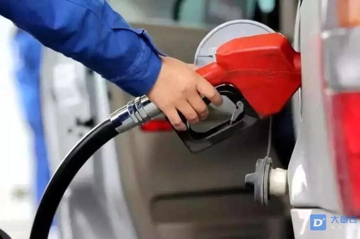 油价又要涨了!12月3日迎来第6次上调,趁着便宜快去加油!